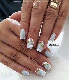 32 Modelos de Unhas Decoradas Francesinhas com Flores 32 Modelos de Unhas Decoradas Francesinhas com Flores Chrome Nails Designs, Cute Acrylic Nail Designs, Nail Art Designs, Pink Ombre Nails, Pink Acrylic Nails, Gel Toe Nails, My Nails, Multicolored Nails, Golden Nails