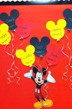 Mickey Mouse Birthday Bulletin Board for special though to Nate Mickey Mouse Classroom, Disney Classroom, Toddler Classroom, Mickey Mouse Birthday, Preschool Classroom, In Kindergarten, Preschool Activities, Disney Birthday, Preschool Learning