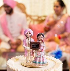 funny wedding cakes Ultimate Funny Wedding Cake Designs and Ideas Funny Wedding Cakes, Indian Wedding Cakes, Black Wedding Cakes, Wedding Cake Photos, Themed Wedding Cakes, Wedding Cake Designs, Wedding Humor, Indian Weddings, Sikh Wedding