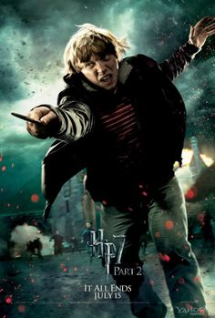 The Deathly Hallows Part Two Harry Potter Hermione Granger Ron Weasley Fred George Weasley Draco Malfoy Severus Snape Minerv. Harry Potter Hermione, Harry Potter World, Ron Weasley, Harry Potter Poster, Hermione Granger, Mundo Harry Potter, Harry Potter Universal, Harry Potter Characters, Draco Malfoy