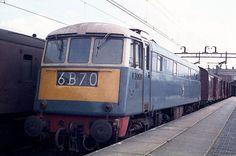 class 85 - Google Search E Electric, Electric Train, Electric Locomotive, Diesel Locomotive, British Rail, Blue Art, Planes, Lego, History