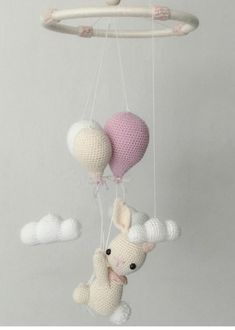 Móbiles de Amigurumi – Arteirices e Costurices Animal Sewing Patterns, Crochet Toys Patterns, Stuffed Toys Patterns, Crochet Stitches, Fun Crafts, Diy And Crafts, Crafts For Kids, Crochet Baby Bibs, Baby Barn