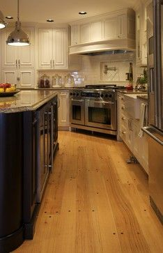 New kitchen design layout corner stove Ideas Kitchen Island With Stove, Kitchen Stove, Kitchen Tiles, New Kitchen, Kitchen Decor, Island Stove, Warm Kitchen, Kitchen Wood, Glass Kitchen