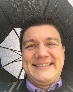 #mondaymotivation hustling w/ the rain  in my way to pick up Vicky no problem  #life #motivation #startuplife