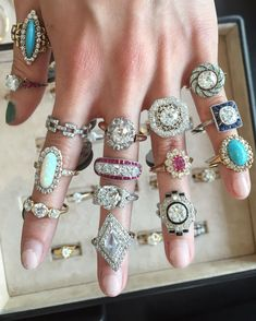 How Are Vintage Engagement Rings Not The Same As Modern Rings? If you're deciding from a vintage or modern diamond engagement ring, there's a great deal to consider. Engagement Ring Buying Guide, Cheap Engagement Rings, Perfect Engagement Ring, Antique Engagement Rings, Antique Rings, Antique Jewelry, Oval Engagement, Wedding Rings Vintage, Vintage Rings