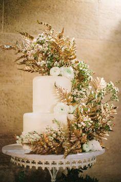 Wedding Cake Photography by justindemutiisphotography.com