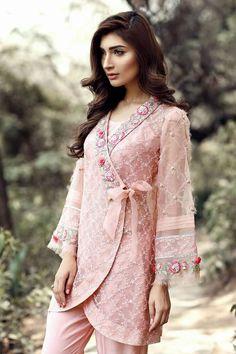 #dailystylish #highfashion #bridal #fashion #palazzo #salwarsuit #embroidery #pants #velvet #kurta #bride #velvet #salwarsuit #salwarkameez #lehnga #sare #anarkali #kurti #sharara #lehngacholi #tunic #shalwar Indian Fashion, High Fashion, Womens Fashion, Shalwar Kameez, Kurti, Stylish Outfits, Bell Sleeve Top, Tunic Tops, Indian Style