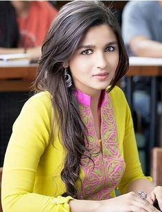 Alia Bhatt still from the 2 States Bollywood Suits, Bollywood Fashion, Indian Celebrities, Bollywood Celebrities, Beautiful Bollywood Actress, Beautiful Actresses, Mumbai, Aalia Bhatt, Alia Bhatt Cute