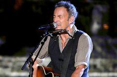 Wingnuts attack Bruce Springsteen: Concert for Valor ...