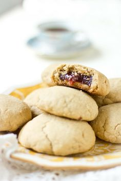 Guava-filled shortbread cookies