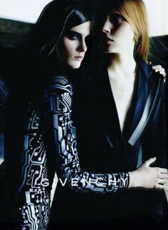 Lisa Ratliffe & Colette Pechekhonova by Craig McDean for Givenchy by Alexander McQueen, Fall 1999 ad campaign. Craig Mcdean, Interesting Faces, Shades Of Black, Strike A Pose, Editorial Fashion, Givenchy, Alexander Mcqueen, Fashion Photography, Lisa