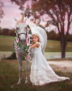 Unicorn and Pony Photos for Children Horse Photos, Horse Pictures, Baby Pictures, Horse Girl Photography, Children Photography, Beautiful Children, Beautiful Horses, Unicorn Pictures, Unicorn Pics
