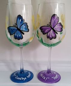 Blue and Purple butterflies hand painted wine glasses Blue and Purple butterflies hand painted wine by GlassesbyJoAnne Diy Wine Glasses, Decorated Wine Glasses, Hand Painted Wine Glasses, Wine Glass Crafts, Wine Bottle Crafts, Wine Bottles, Pebeo Porcelaine 150, Glass Painting Designs, Bottle Painting