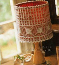 вязаный абажур 004 Crochet Lampshade, Crochet Home Decor, Lamp Shades, Pillows, Dom, Lighting Ideas, Doilies, Pedestal Tables, Beautiful Things