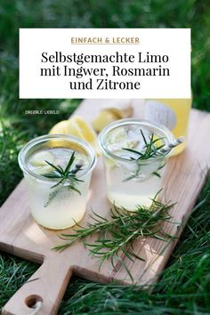 Selbstgemachte Limonade mit Ingwer, Rosmarin und Zitrone Homemade lemonade with ginger, rosemary and lemon Good Lemonade Recipe, Honey Lemonade, Flavored Lemonade, Basil Lemonade, Homemade Lemonade Recipes, Homemade Detox, Summer Drink Recipes, Easy Drink Recipes, Water Recipes