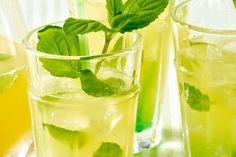 Erfrischende Minzlimonade Pint Glass, Pickles, Cucumber, Cocktails, Beer, Tableware, Recipes, Food, Paper
