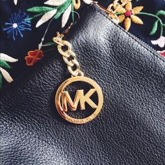 """NWT Michael Kors Chain Bag Michael Kors Messenger Bag Height: 7 Inches Length: 11 Inches Depth: 3 Inches Shoulder Strap: 20-23"""" Inches Adjustable - 100% Cow Leather - Gold-Tone Hardware -Interior: One Zip Pocket, One Open Pocket,  - Lining: 100% Polyester Michael Kors Bags Crossbody Bags"""