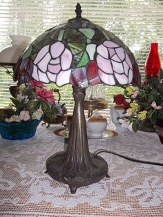 Modern Stained Glass Look Tiffany Style Victorian Rose Table Lamp Tree Base