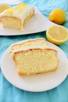 Pienet herkkusuut: Pumpulinpehmeä 7 minuutin kakku Something Sweet, Cornbread, Vanilla Cake, Muffin, Food And Drink, Ethnic Recipes, Desserts, Baking, Instagram