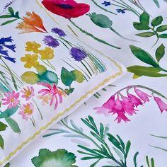 "Bluebellgray on Instagram: ""Like sleeping in a spring meadow 🤗🥰🌷🌼🌸🌹🌻"" Double Duvet Covers, Single Duvet Cover, Dot Symbol, Bluebellgray, King Size Duvet, Bed Springs, Garden Features, Fresh Brand"