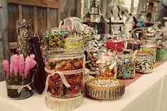 Adorable rustic candy bar!