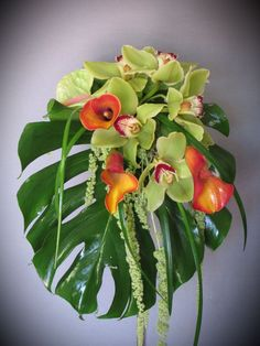 Most up-to-date Free of Charge Funeral Flowers orchids Concepts Regardless of whether that you are setting up or maybe participating in, memorials are normally the sad and of. Tropical Flower Arrangements, Modern Floral Arrangements, Flower Arrangement Designs, Funeral Flower Arrangements, Beautiful Flower Arrangements, Tropical Flowers, Colorful Flowers, Purple Flowers, Beautiful Flowers
