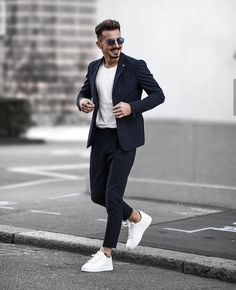 We Bring You The Best Simple, Stylish and Fashionable Outfit Ideas For Men That Every Men Would Love and Best Men's Fashion Styles From Male Models From All Over The World. Mens Casual Suits, Stylish Mens Outfits, Business Casual Outfits, Blazers For Men Casual, Smart Casual Men, Casual Blazer, Blazer Outfits Men, Mens Fashion Blazer, Suit Fashion