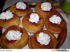 Vdolky naší holky Czech Recipes, Doughnut, Muffin, Cooking Recipes, Sweets, Bread, Baking, Breakfast, Czech Food