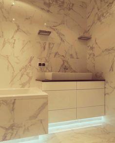 #szafka #shelves #shelf #furniture #meble #warsaw #bathroom #design #decor #home #mieszkanie #podświetlenie #dom #job #instagood #instaphoto