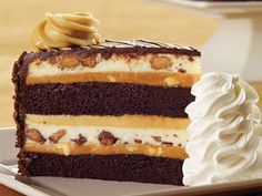 CHEESECAKE FACTORY: Peanut Butter Cup Ripple Cheesecake- get the recipe---->