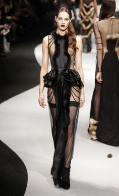dont know where this would be worn, music awards maybe?  REALLY pretty...Paris Fashion Week: Viktor & Rolf autumn/winter 2012