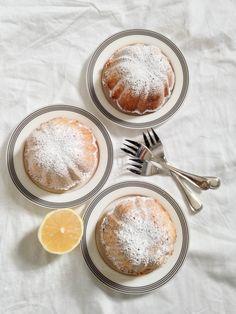 Citrus, white chocolate and raspberry small cakes | Petits gâteaux au citron, chocolat blanc et framboise | PROJET PASTEL