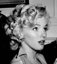 Always Marilyn Monroe: Photo Arte Marilyn Monroe, Young Marilyn Monroe, Marilyn Monroe Photos, Hollywood Stars, Classic Hollywood, Old Hollywood, Robert Mapplethorpe, Annie Leibovitz, Richard Avedon