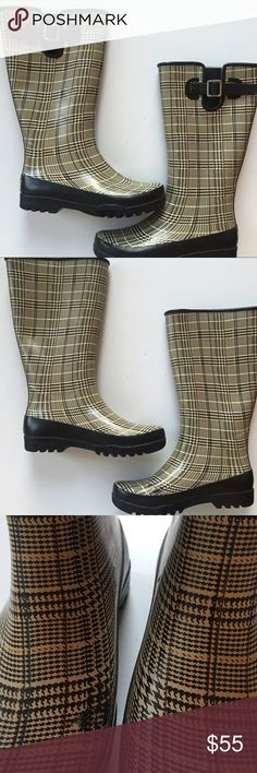 Sperry Rain Boots in Preppy Pattern Sperry Rain Boots in Preppy Pattern  Puddles beware! These preppy Sperry Rain Boots combine a rubber outsole with micro-fleeced lining to combat the wet weather. Graphite and anchor detailing adorns the top to create a fashionably durable boot. Gently worn, there's still a lot of life left! (3rd pic shows irregularity in print)  💦 Tall Waterproof Boot with Signature Hardware Detailing 💦 Micro-Fleeced Lining 💦 Non-Marking Rubber Lugged Outsole for…