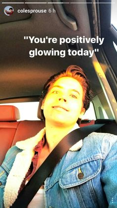 Cole Sprouse omg this made me laugh Bughead Riverdale, Riverdale Funny, Riverdale Memes, Sprouse Bros, Dylan Sprouse, Grammar School, Betty Cooper, Alice Cooper, Cole Sprouse Funny