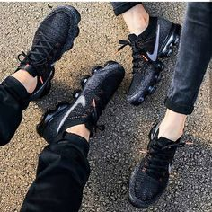 ...-#* Best Sneakers, Shoes Sneakers, All Black Sneakers, Sneakers Fashion, Black Nike Shoes, Adidas Shoes, Nike Vapormax Flyknit, Adidas Gifts, Sports Shoes