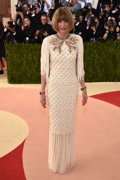 "Anna Wintour in Chanel at ""Manus x Machina: Fashion in an Age of Technology."" Photo by Getty Images."