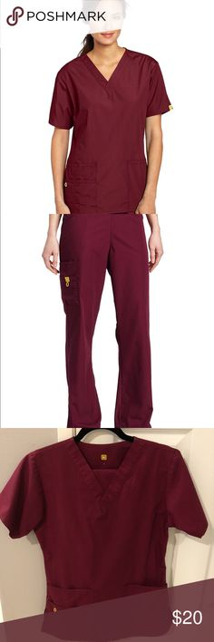 Wonderwink V neck scrub top +flare 6 pocket pants WINE COLORED. V neck wonder wink women's scrub top & draw string flare style 6 pocket pants. Xsmall Petite. wonderwink Other