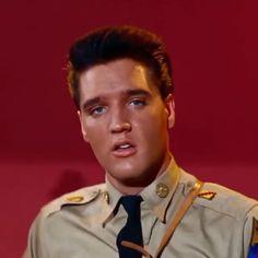 Elvis Presley Videos, Elvis Presley Pictures, Iphone Wallpaper Vintage Hipster, Elvis And Me, Taylor Lashae, Young Elvis, Music Aesthetic, Old Video, Music Videos