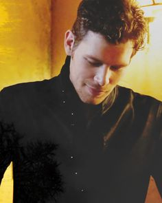 """Klaus Mikaelson → 3x02 """"You Hung the Moon"""""""