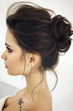 21 Perfect Christmas Short Hairstyles ★ Classy Christmas Hairstyles for Short Hair Picture 1 ★ See more: http://glaminati.com/perfect-christmas-short-hairstyles/ #shorthairstyles #holidayhairstyles
