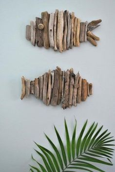 Driftwood Fish Tutorial Don't you just love driftwood projects? I just moved to the pacific northwest so I'm only about 30 minutes away from great places to find driftwood. Zoe from Creative in Chicago … Beach Crafts, Diy And Crafts, Arts And Crafts, Seashell Crafts, Simple Crafts, Simple Art, Decor Crafts, Diy Home Decor, Rustic Wall Art