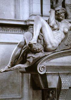 Michelangelo.Giuliano de Medici.tomb.1521-1532.Night