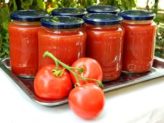 Reteta culinara Cum se face sucul de rosii din categoria Bulion. Cum sa faci Cum se face sucul de rosii Vegetables, Food, Canning, Essen, Vegetable Recipes, Meals, Yemek, Veggies, Eten