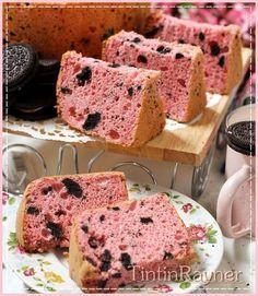 Strawberry Oreo Milk Chiffon Cake .Krucils pasti suka >.< Oreo Cake, Brownie Cake, Egg Cake, Cupcake Birthday Cake, Cupcake Cakes, Cupcakes, Healthy Cupcake Recipes, Marmer Cake, Bolu Cake
