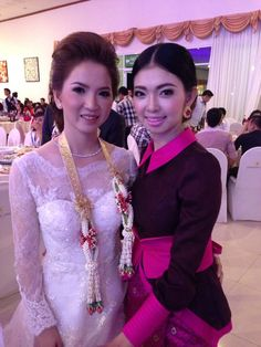 Laotian wedding ceremony by night