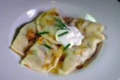 Pirohy s hríbovo-zemiakovou plnkou (fotorecept) - recept   Varecha.sk Baked Potato, Potatoes, Baking, Ethnic Recipes, Food, Potato, Bakken, Essen, Meals