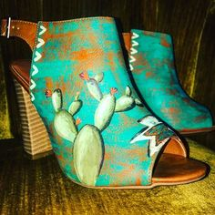 Hand painted and custom work at The Lace Cactus. In love with these!