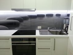 Great Indoor Designs #kitchens #glass #splashbacks