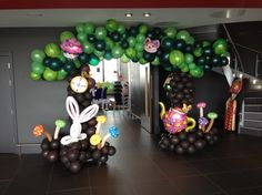 Alice in Wonderland balloon arch created by Kevin @ Premier Balloons